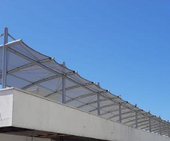 Velas e Tensionados para estacionamento da Porto Editora